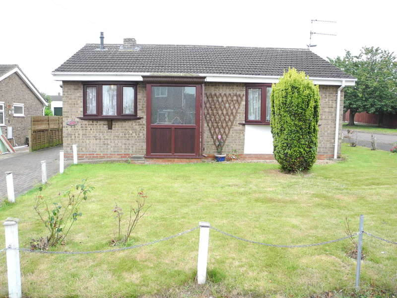 3 Bedrooms Detached Bungalow for sale in Pinewood Gardens, North Cove, Beccles, Suffolk