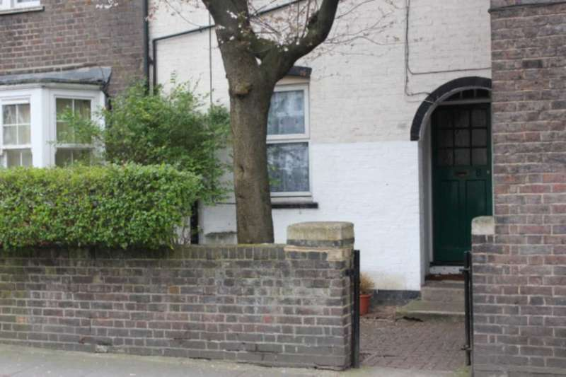4 Bedrooms House for sale in Erconwald Street, East Acton