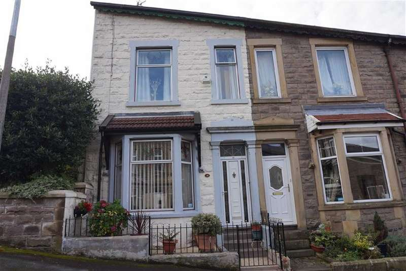3 Bedrooms Property for sale in East Park Avenue, Darwen, Lancashire