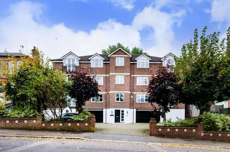 2 Bedrooms Flat for sale in Duncombe Hill, Forest Hill, SE23