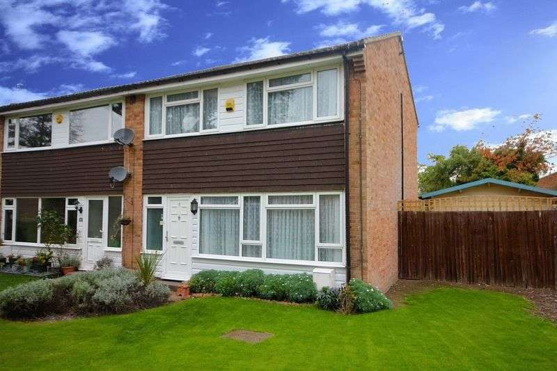 3 Bedrooms Terraced House for sale in Stunning Home in Beds Village.