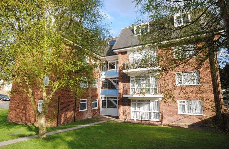 2 Bedrooms Flat for sale in Old Farm Drive, Townhill Park
