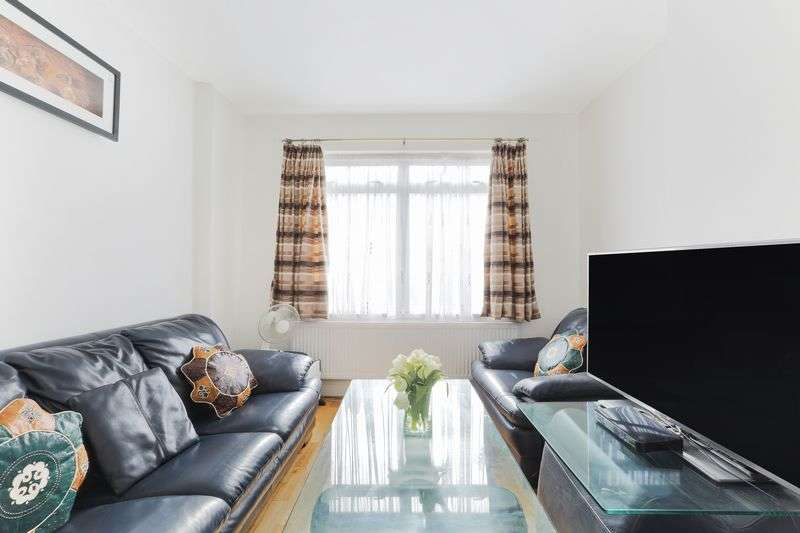3 Bedrooms Terraced House for sale in Northborough Road, London