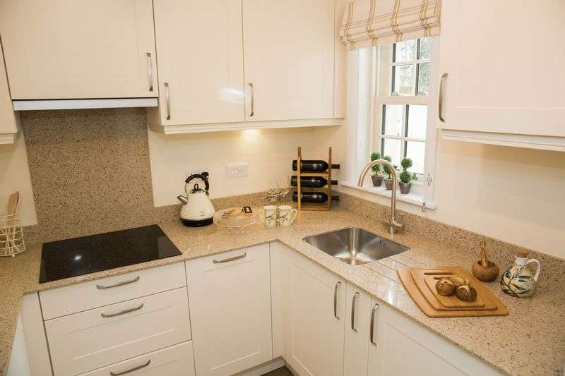 1 Bedroom Flat for sale in RECENTLY REDUCED PRICE FOR A BRAND NEW ONE BEDROOM APARTMENT: FLEUR-DE-LIS, WAREHAM, DORSET