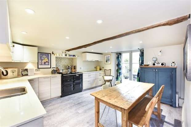 4 Bedrooms Terraced House for sale in Castle Street, Frome