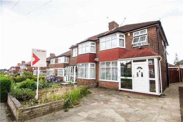 3 Bedrooms Semi Detached House for sale in Girton Avenue, KINGSBURY, NW9 9UE