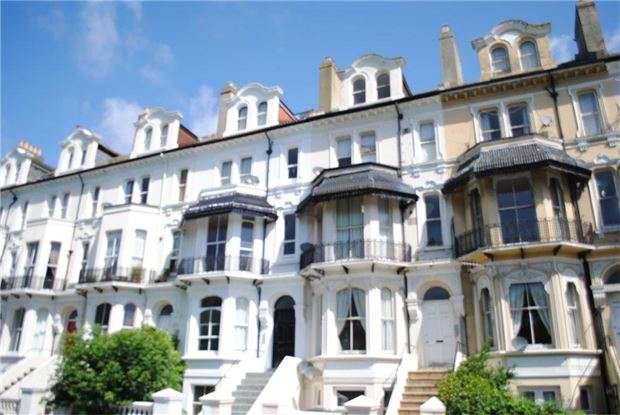 1 Bedroom Flat for sale in Top Flat, St. Helens Road, HASTINGS, East Sussex, TN34 2LJ
