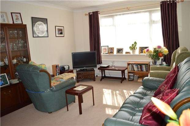 2 Bedrooms Detached Bungalow for sale in Pilot Road, HASTINGS, East Sussex, TN34 2AN