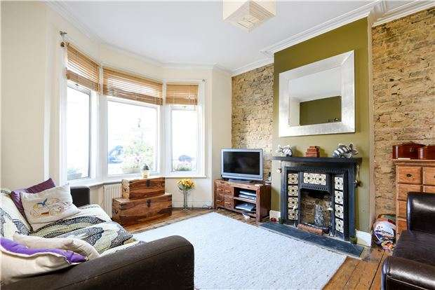3 Bedrooms Terraced House for sale in Hambro Road, LONDON, SW16
