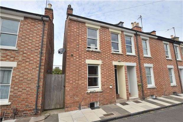 3 Bedrooms End Of Terrace House for sale in Station Street, CHELTENHAM, GL50 3LX