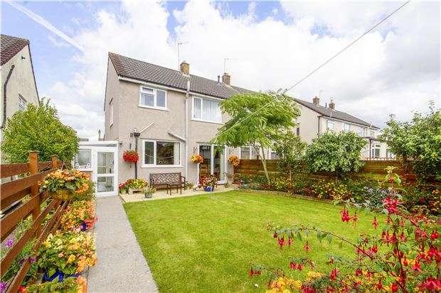 3 Bedrooms Semi Detached House for sale in Crossman Avenue, Winterbourne, BRISTOL, BS36 1ED