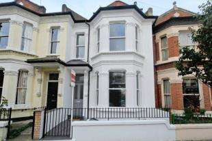 5 Bedrooms Terraced House for sale in Herndon Road, London