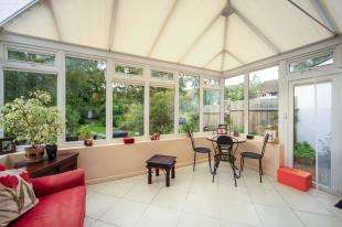 3 Bedrooms Detached House for sale in Placehouse Lane, Coulsdon, Surrey, England