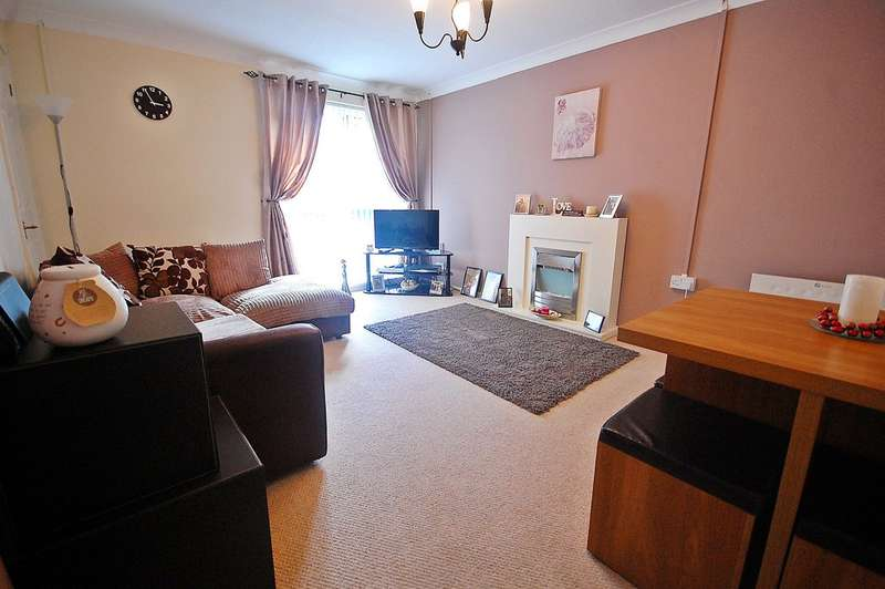 2 Bedrooms Flat for sale in Carr House Drive, Newton Hall, Durham