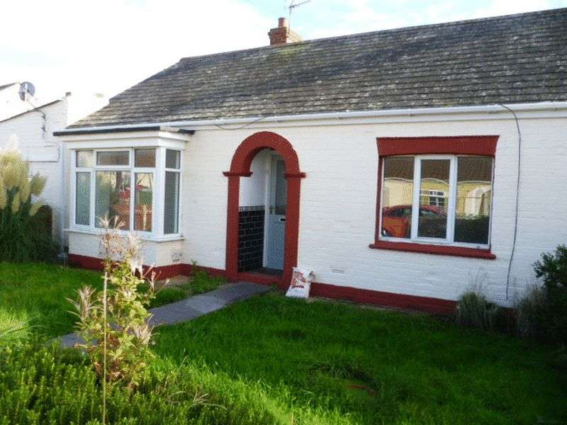 3 Bedrooms Semi Detached Bungalow for sale in Poplar Avenue, Mablethorpe