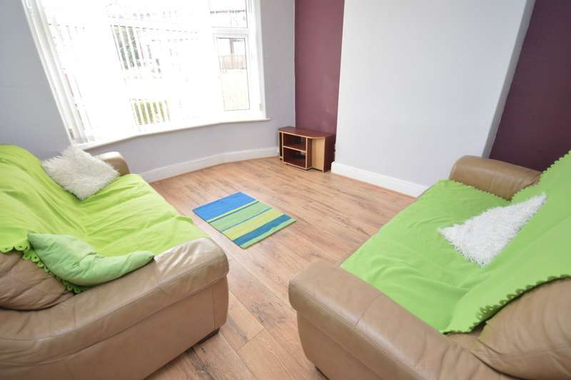 7 Bedrooms End Of Terrace House for rent in Langdale Gardens, HEADINGLEY, LS6