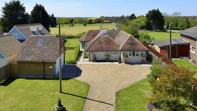 4 Bedrooms Detached Bungalow for sale in The Drove, Chestfield, Whitstable