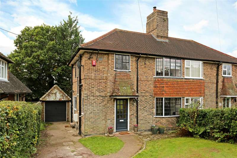 3 Bedrooms Semi Detached House for sale in Summerhill Close, Haywards Heath, West Sussex, RH16