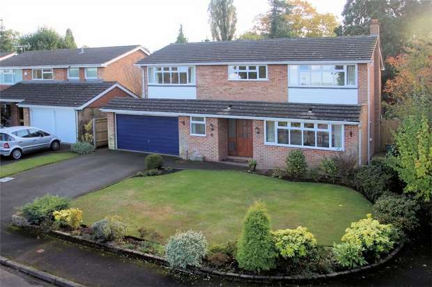 4 Bedrooms Detached House for sale in St Johns, Woking, Surrey