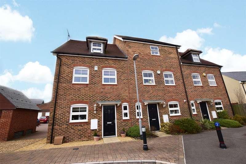 3 Bedrooms End Of Terrace House for sale in Woodcock Chase, Jennett's Park, Bracknell, Berkshire, RG12