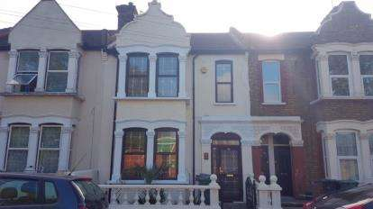 3 Bedrooms Terraced House for sale in Leyton, London