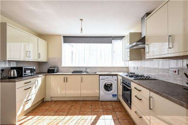 4 Bedrooms Terraced House for sale in Blenheim Gardens, London, SW2