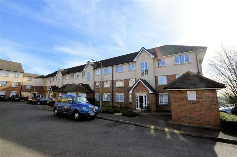 2 Bedrooms Property for sale in Tennyson House, Addison Court, Epping