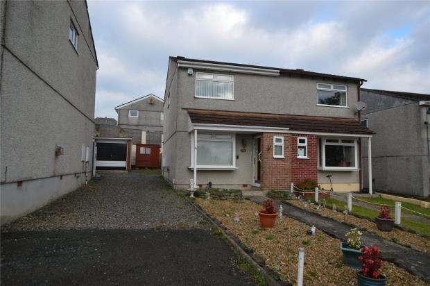 3 Bedrooms Semi Detached House for sale in Cabot Close, Saltash, Cornwall