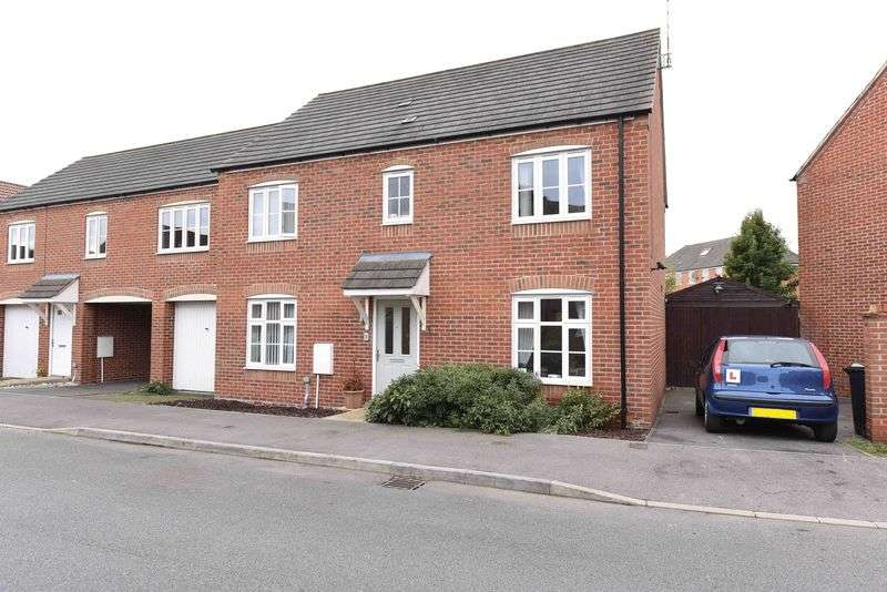 4 Bedrooms House for sale in Bramley, Tadley