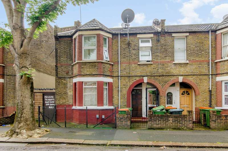 2 Bedrooms Maisonette Flat for sale in Corporation Street, Stratford, E15