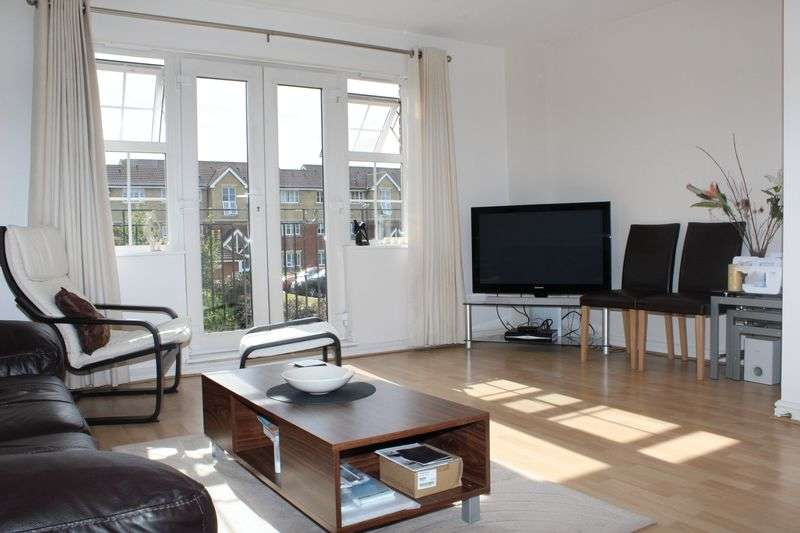 4 Bedrooms House for sale in Armstrong Close, Borehamwood, WD6