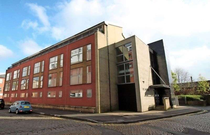 1 Bedroom Flat for sale in Clive Street, Bolton