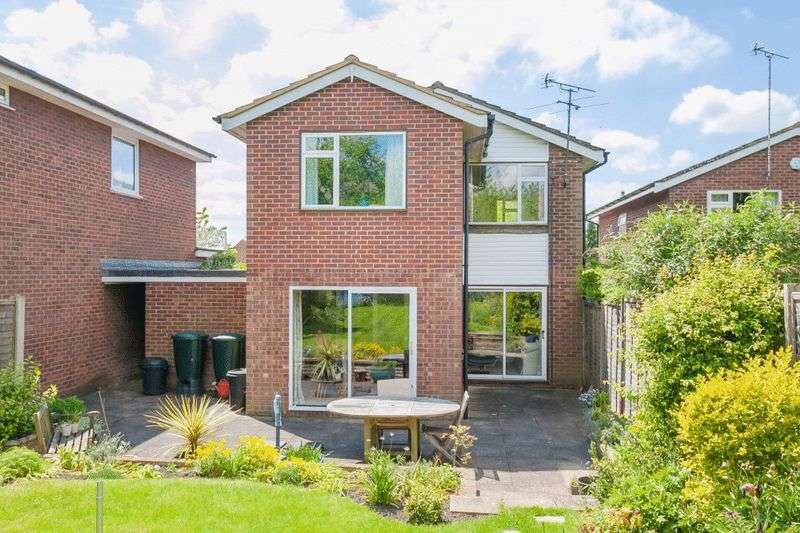 4 Bedrooms Detached House for sale in Princes Risborough