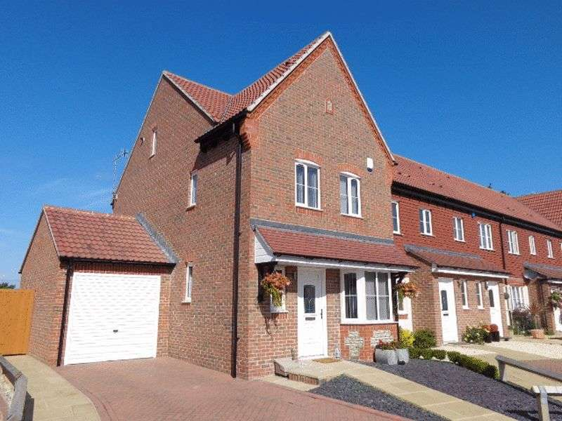 4 Bedrooms Terraced House for sale in Watersmead Drive, Littlehampton