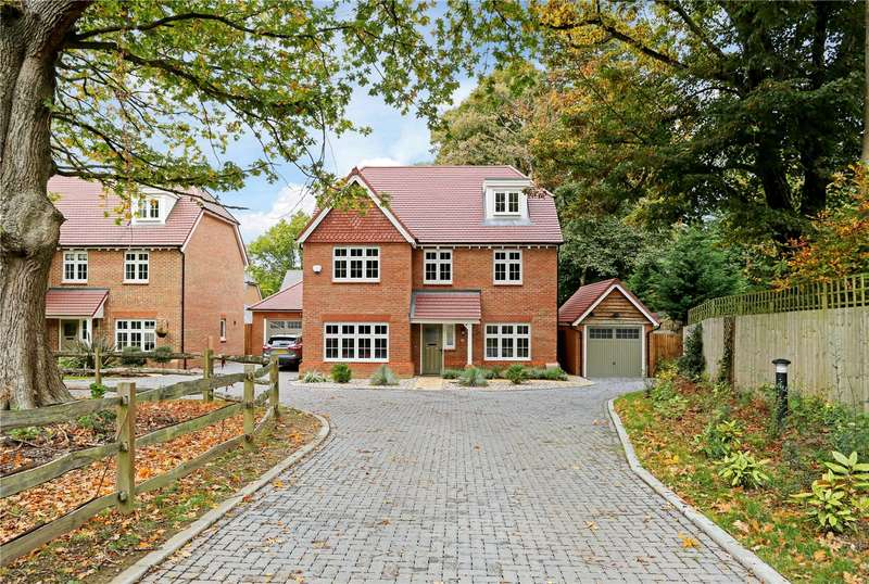 5 Bedrooms Detached House for sale in Old Brighton Road, Pease Pottage, Crawley, West Sussex, RH11