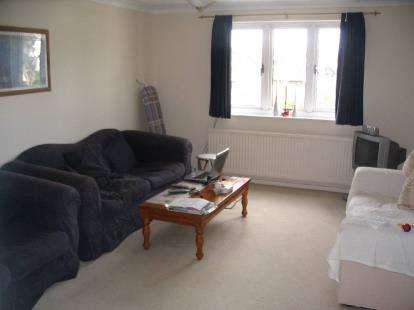 3 Bedrooms Flat for sale in Frances Court, Soulbury Road, Linslade, Bedfordshire