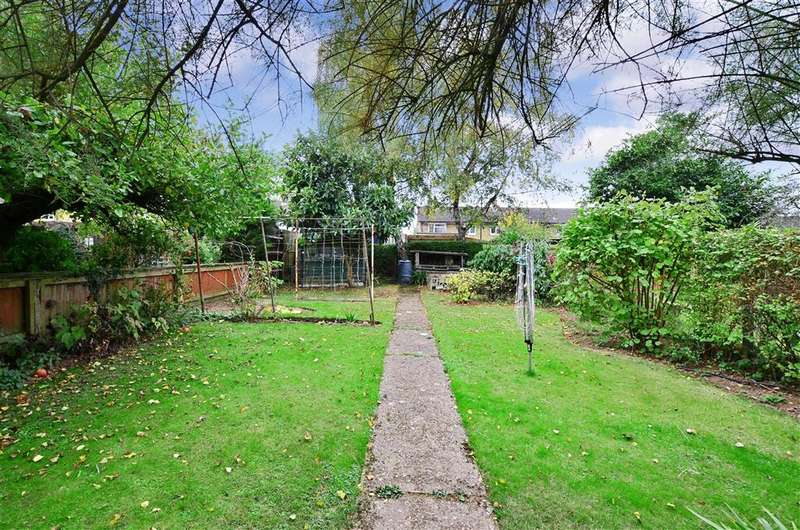 3 Bedrooms Semi Detached House for sale in Bell Meadow, Maidstone, Kent