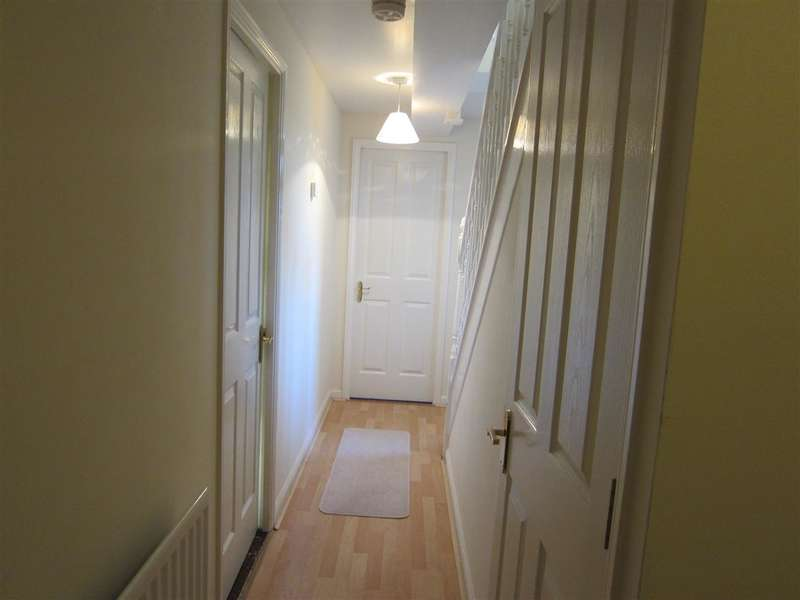2 Bedrooms Apartment Flat for sale in Flat E Churchill House, 88 Tyersal Lane, Bradford