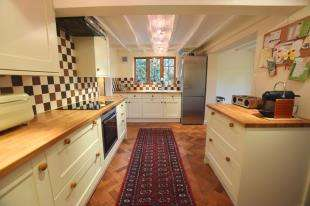 3 Bedrooms Semi Detached House for sale in Rookery Lane, Rushlake Green, Heathfield, East Sussex