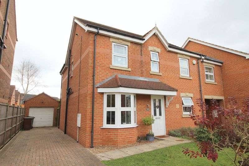 4 Bedrooms Semi Detached House for sale in Padley Road, Carlton Boulevard, Lincoln