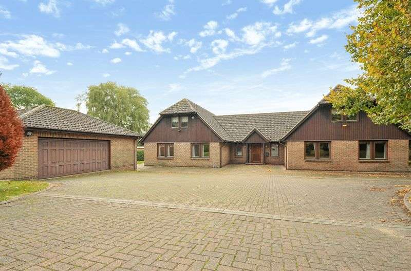4 Bedrooms Detached House for sale in Hollow Lane, Ramsey