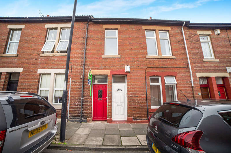 3 Bedrooms Flat for sale in Norham Road, North Shields, NE29