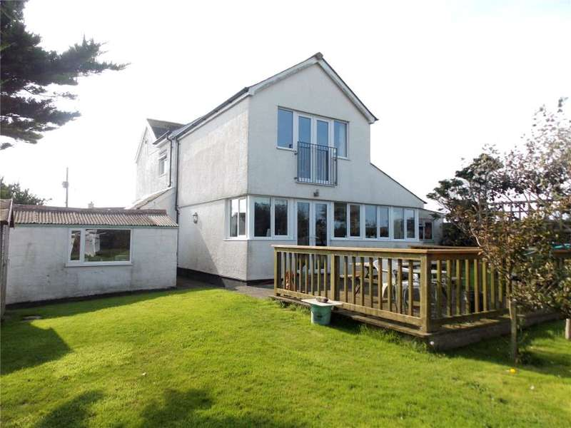 3 Bedrooms Detached House for sale in Trenance, Mawgan Porth, Newquay