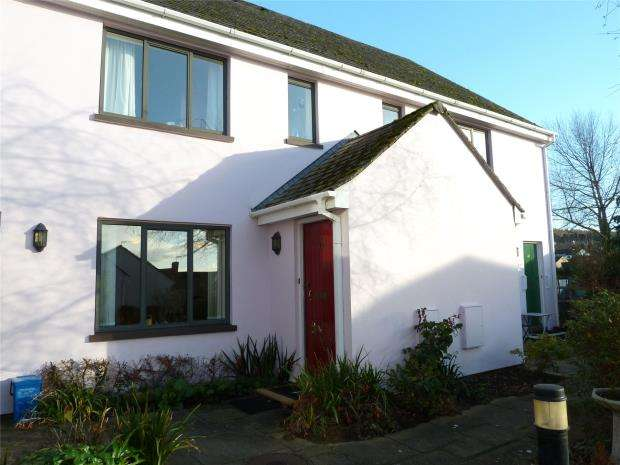 2 Bedrooms House for sale in Kings Gardens, Kerslakes Court, Honiton, Devon