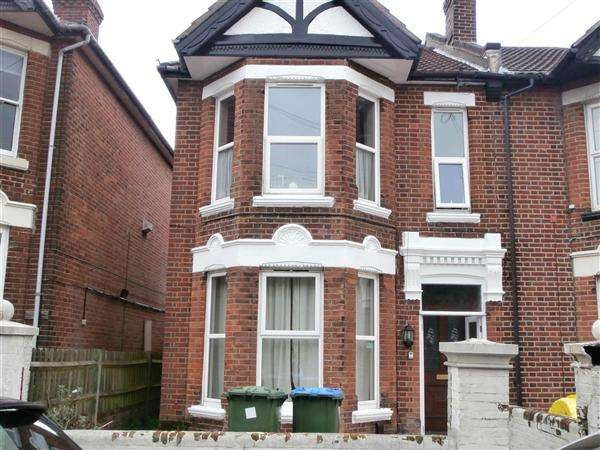 7 Bedrooms Semi Detached House for rent in Cedar Road, Southampton