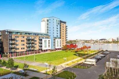 1 Bedroom Flat for sale in Caldey Island House, Ferry Court, Cardiff, Caerdydd