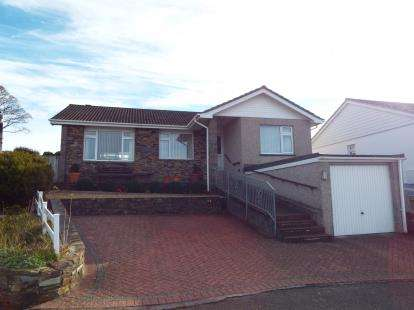 3 Bedrooms Bungalow for sale in Barbican Hill, Looe, Cornwall