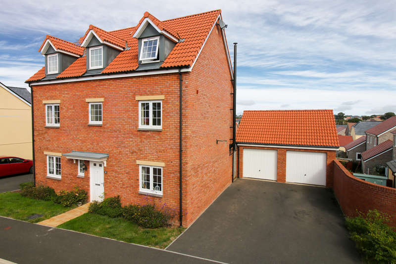 5 Bedrooms Detached House for sale in Post Coach Way, Cranbrook