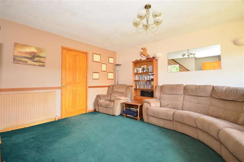 3 Bedrooms Terraced House for sale in Regal Drive, East Grinstead, West Sussex