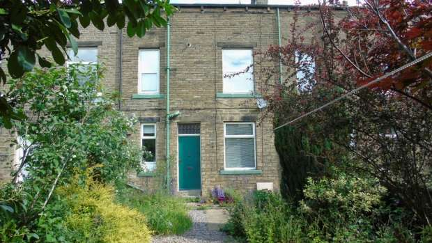2 Bedrooms Terraced House for sale in West View Mytholmroyd Hebden Bridge